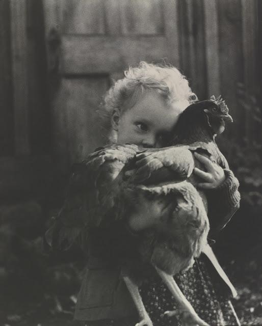 Tasha-Tudor-and-children-26.jpeg