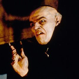 shadow-of-the-vampire-nosferatu-willem-dafoe1.jpg